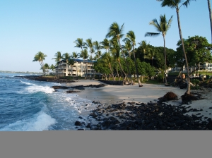 Honl's Beach in Kailua Kona: Photo by Donald B. MacGowan