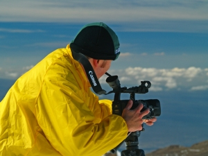 Eric Carr, Master Cameraman, Filming on Mauna Kea: Photo by Donnie MacGowan