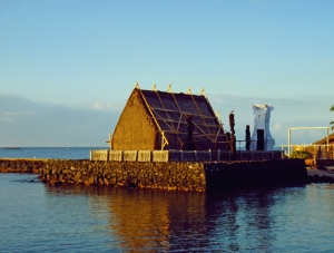 Morning at Ahu'ena Heiau, Kailua Kona, Hawaii: Photo by Donnie MacGowan